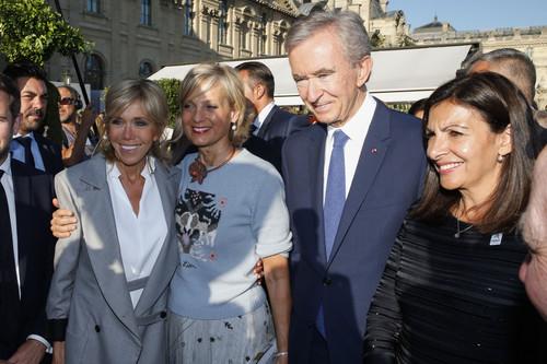 Brigitte Macron no se pierde el 70 aniversario de Dior, y no es la única celebrity que asistió a la fiesta