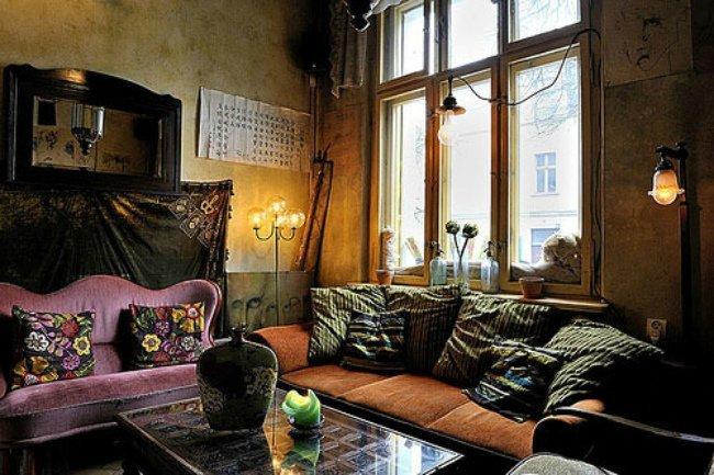 Un salón de estilo bohemio