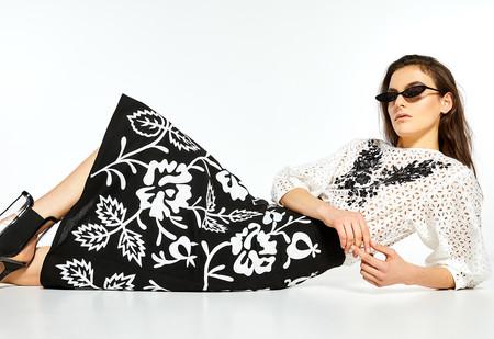 Sfera lanza la falda más bonita de la temporada, inspirada en Dior y por menos de 40 euros