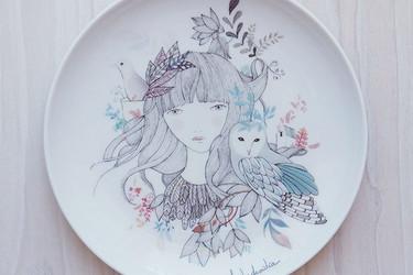 La maravillosa cerámica ilustrada de Lady Desidia