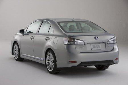Lexus HS 250h, otro modelo que se llamará a revisión