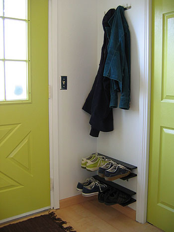 Tus zapatos colocados sin ocupar espacio