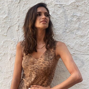 Sara Carbonero tiene el vestido animal print por el que todas suspiramos este verano
