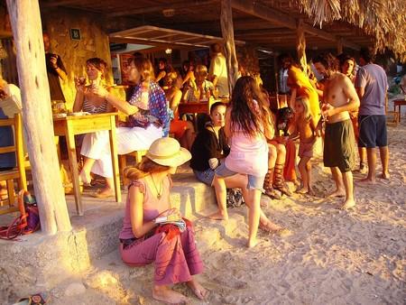 Beach 2093555 1280