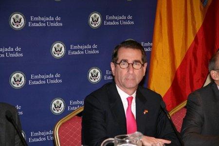 """El embajador de EE.UU. califica de """"muy buena señal"""" que Rajoy haya aprobado la Ley Sinde"""