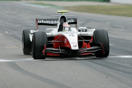 La lluvia da la victoria a Romain Grosjean en Hockenheim