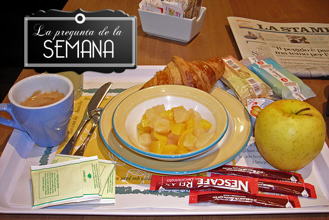 Buffet de desayuno en hotel italiano