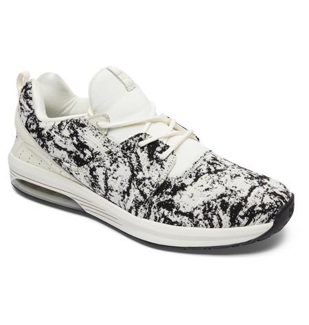 Puedes ahorrar más de 80 euros al comprar estas zapatillas de DC Shoes, ahora están rebajadas por 55,95 euros