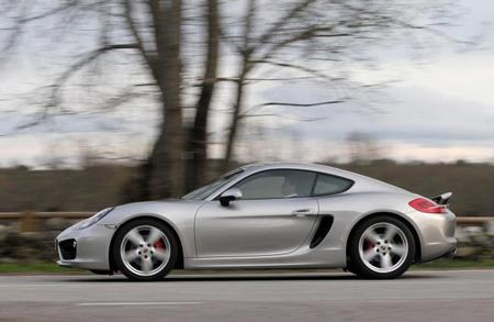 Porsche Cayman S lateral movimiento