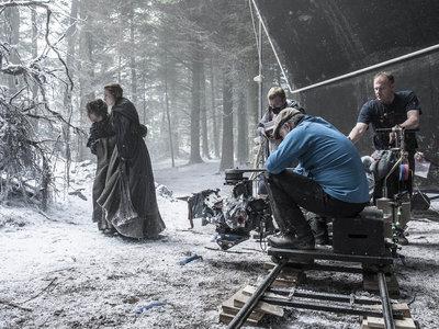 """Así trabajan miles de personas mientras tú esperas a que """"vuelva el invierno"""" de 'Juego de Tronos'"""