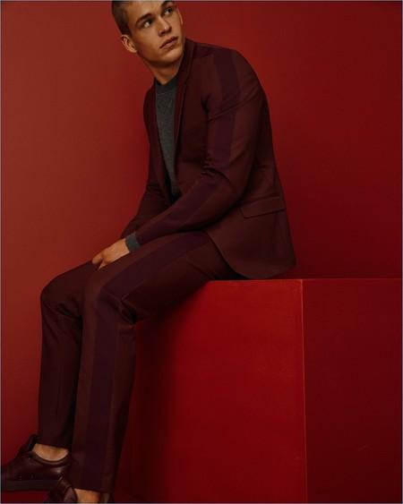 Calvin Klein Collection hace la transición a primavera en gamas monocromáticas