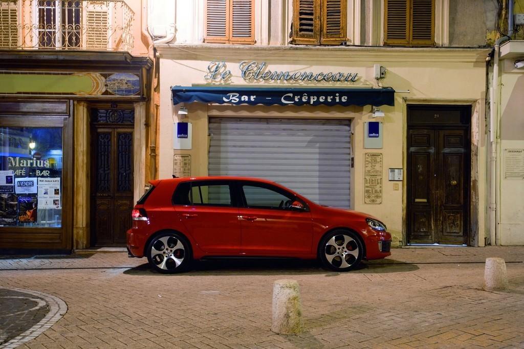 Foto de Volkswagen Golf GTi 2010 (12/38)