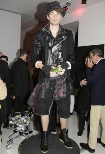 Galliano, Otoño-Invierno 2010/2011 en la Semana de la Moda de Milán I