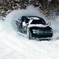 ¡Está viva! Así baila sobre la nieve la Ford F-150 eléctrica, rival del Hummer EV