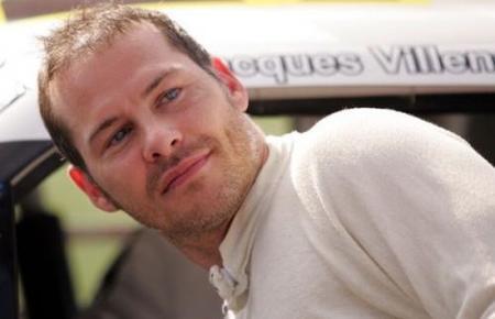 Jacques Villeneuve entrena para volver a la Fórmula 1