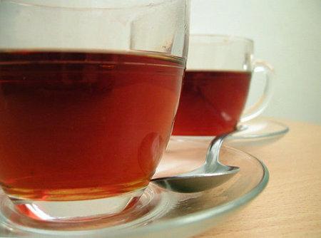 Té o café después de comer, ¿una buena costumbre?
