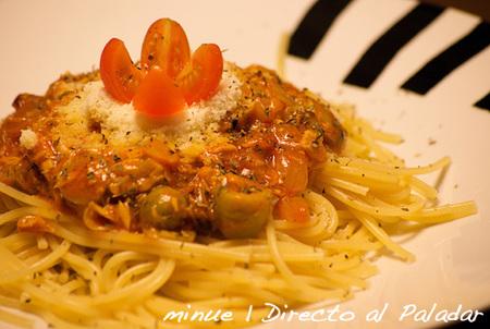 Pasta con atún y tomate. Receta