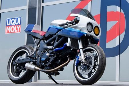 ¡Orgullo oldie! Esta Suzuki SV650 es un homenaje brillante a las GSX-R750 de 1990