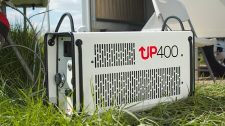 Este generador portátil a hidrógeno alimenta una autocaravana, y su tecnología podría recargar coches eléctricos