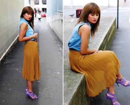 Moda en la calle mostaza azul