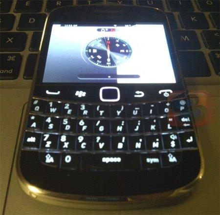 BlackBerry Dakota con pantalla táctil y teclado, en imágenes