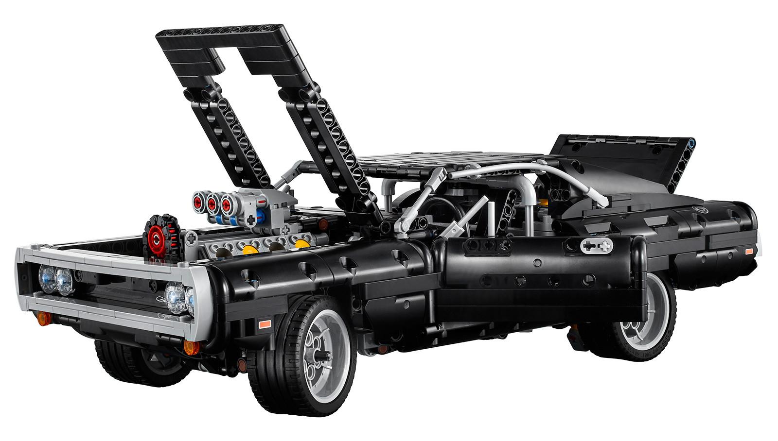 Foto de LEGO Technic Dom's Dodge Charger (12/18)