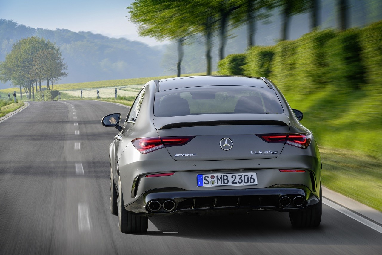 Foto de Mercedes-AMG CLA 45 4Matic (16/38)