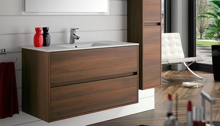 Si estás pensando en reformar tu baño apuesta por un mobiliario colgante de líneas sencillas