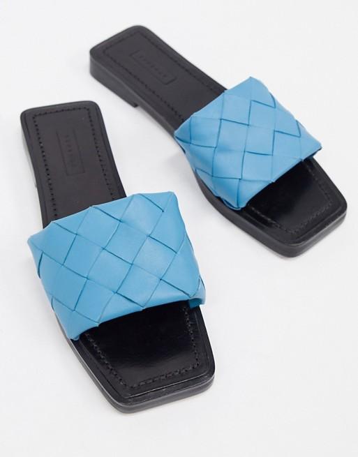 Sandalias planas azules