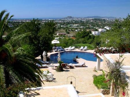 Finca en Ibiza como casa de verano de lujo