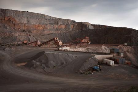 El fotógrafo Carlos Bravo nos recuerda que estamos de paso por la tierra