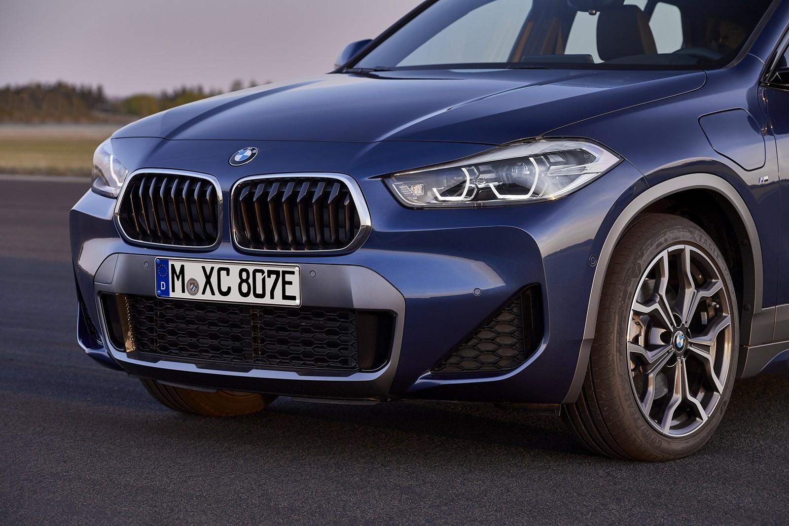 Foto de BMW X2 xDrive25e 2021 (39/53)