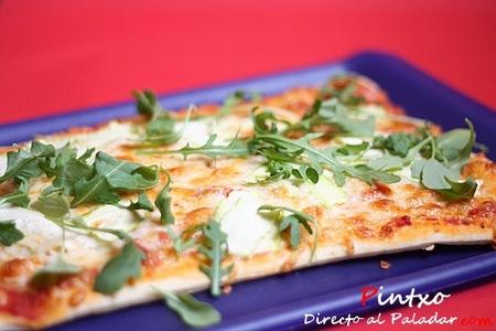 Pizza de calabacín y rúcula. Receta