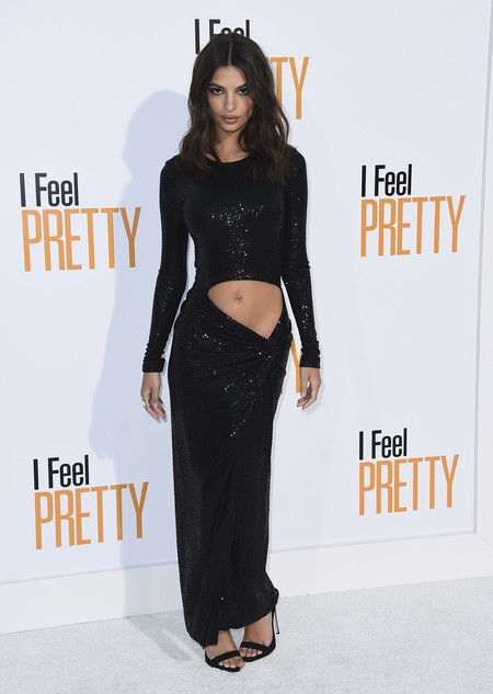 i feel pretty red carpet emily ratajkowski