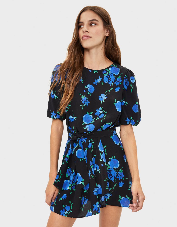 Vestido corto de flores