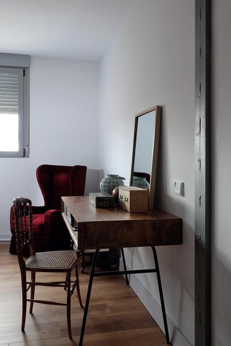 Vivienda En Las Tablasdespacho Dormitorio Principal Pilar Metalico