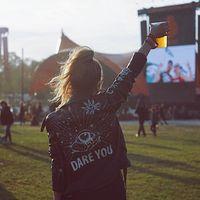 Outfits para hacer frente a un festival de música