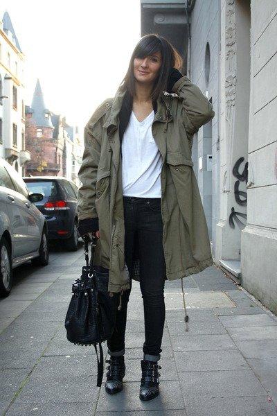 Looks para el shopping navideño: mona, cómoda y con el objetivo de hacer una buena compra