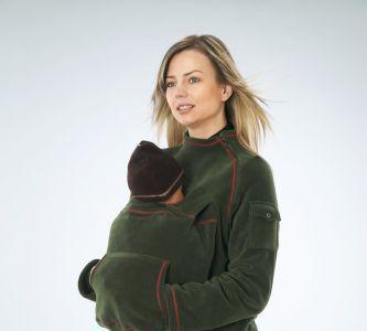 Abrigo polar para la mamá con un portabebé