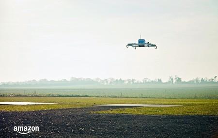 Unas palomitas y un Fire TV: ese es el primer envío de los drones Amazon Prime Air