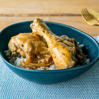 Receta fácil y rápida de jamoncitos de pollo al café (con vídeo incluido)