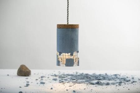 La destrucción como parte del proceso de creación de una lámpara, tan absurdo como cierto