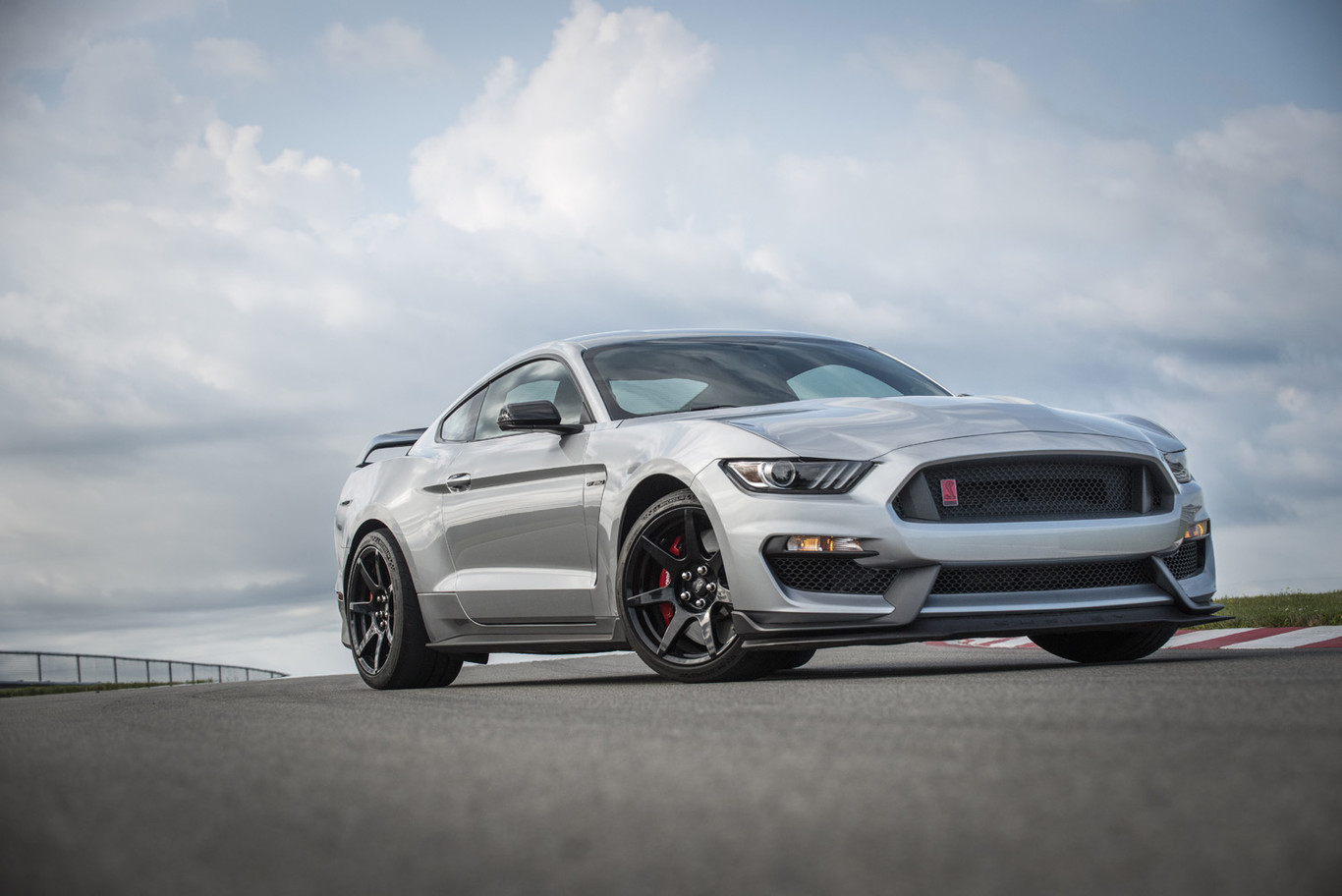 2021 Ford Mustang Shelby Gt 350 Overview