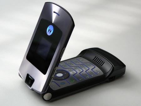 El nuevo Motorola RAZR plegable tendría dos pantallas, pero la segunda sería tan funcional como en el RAZR original
