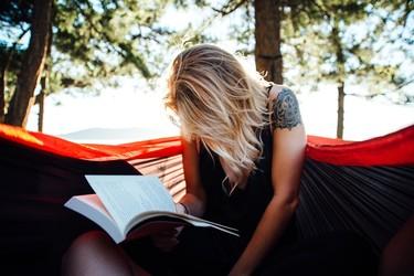 Celebramos el Día de la mujer: 9 libros que nos representan