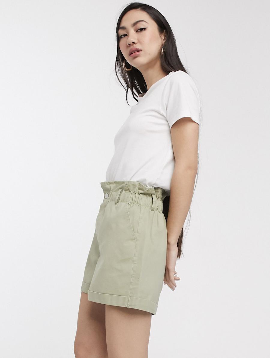 Pantalones cortos casual con cintura paperbag de ASOS DESIGN