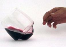 Estas innovadoras copas de vino están (diseñadas) a prueba de manchas