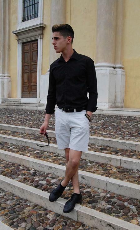 El Mejor Street Style De La Semana Blanco Y Negro Combinacion Triunfante 2020 Trendencias Hombre 12