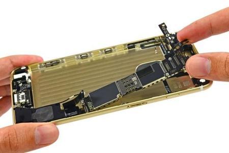 iFixit le pone el guante a los nuevos iPhone 6 y 6 Plus; confirman la incorporación de 1GB de RAM