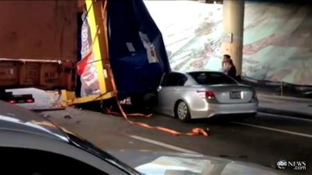 Hay gente con mucha suerte (LXXXVIII): Cuando la carga de un camión casi te mata